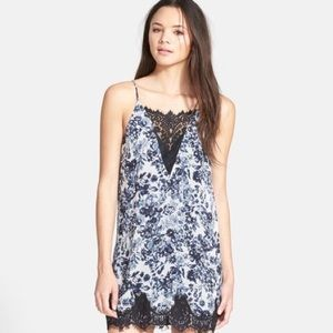 ✨ASTR✨Eyelash Floral Lace Slip Dress